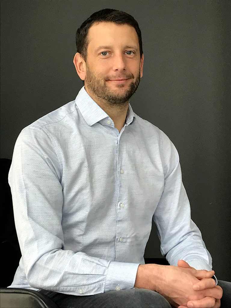 DR. RICHARD MAYER